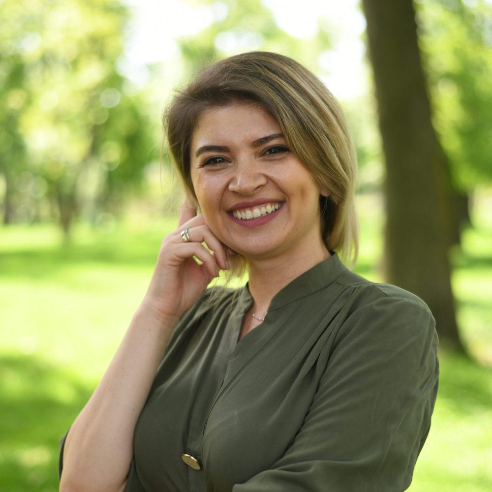 Daiana, Psychologist