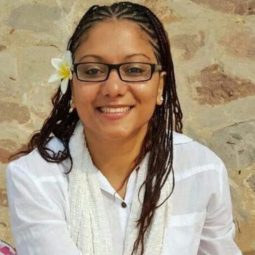 Denisse, Psychologist